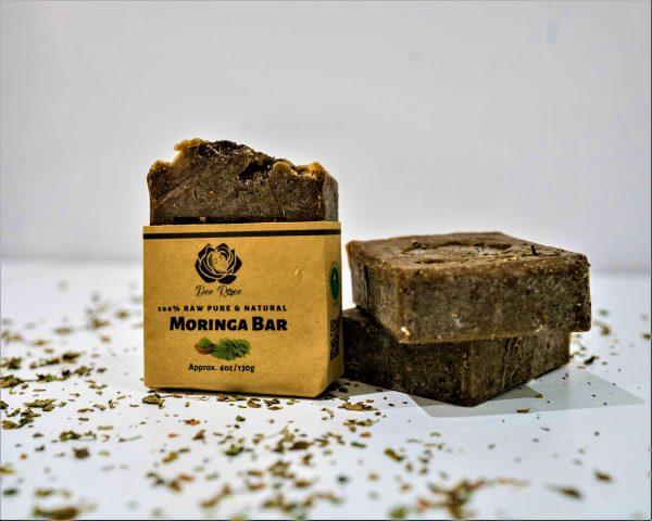 dee rose moringa face soap bar scaled